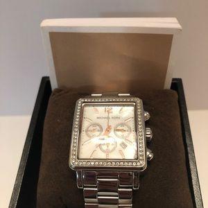 Michael Kors Mother of pearl & Swarovski Crystal